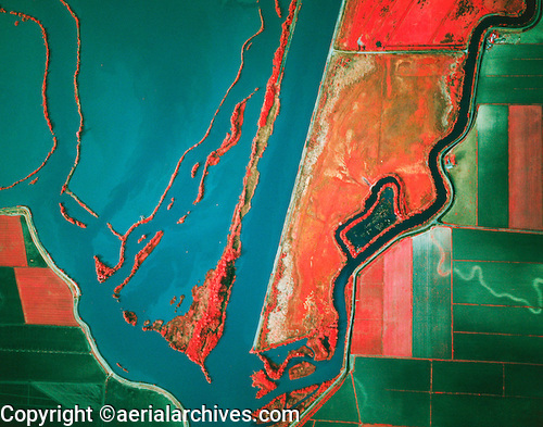 &copy aerialarchives.com Sacramento river deep water ship channel, levees, Prospect slough,  Sacramento San Joaquin river deltatock aerial photograph AHLB2300