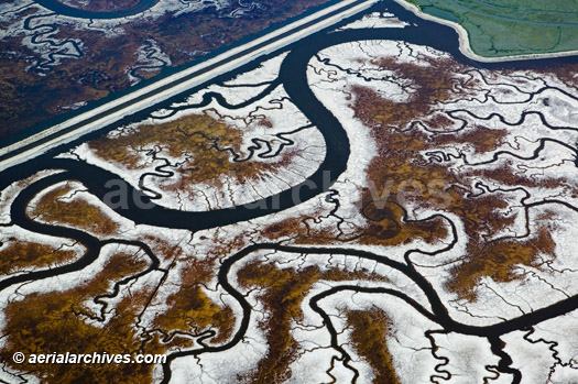 &copy aerialarchives.com aerial photograph of Tidal Salt Marsh Channels | San Francisco Bay,  aerial photo id: AHLB3535