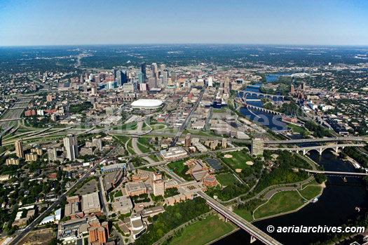 &copy aerialarchives.com downtown Minneapolis, Minnesota, aerial photograph, AHLB3549.jpg, AHFFMR