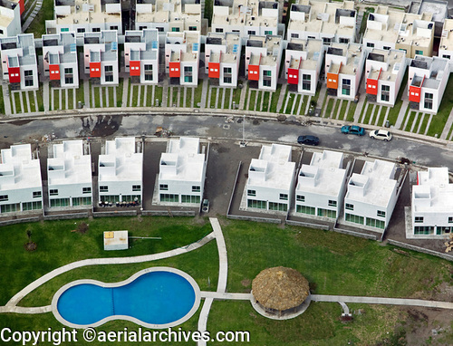 &copy aerialarchives.com aerial photograph of residential development in Veracruz, Mexico AHLB5203, B3MH59