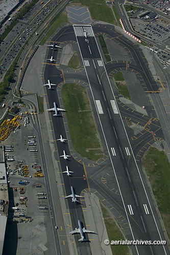 &copy aerialarchives.com LaGuardia airport, Queens, New York, aerial photograph AHLB7576 C0Y1KX