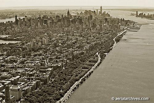 aerial photograph Riverside Park, Manhattan, New York City