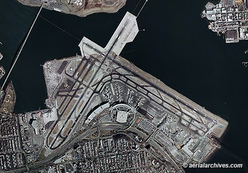 aerial map of LaGuardia airport New York AHLB3221 C1D37W