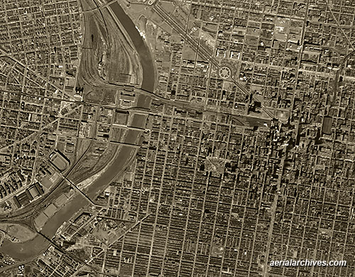 &copy aerialarchives.com historical aerial photograph downtown Philadelphia AHLV3352