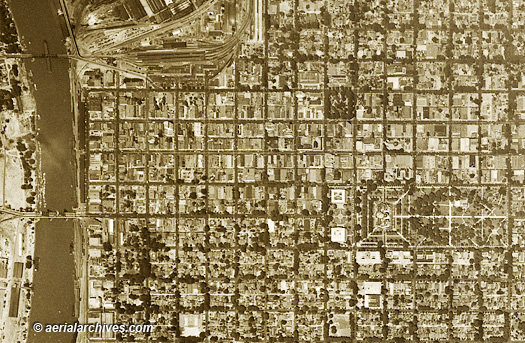 graphics &copy aerialarchives.com,  historical aerial photo 1947 Sacramento, CA AHLV3509