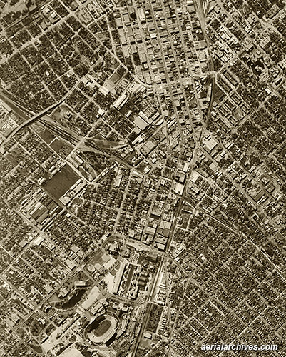 &copy aerialarchives.com aerial map above  Dallas Texas
